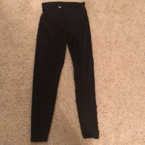 black leggings with ruffles detail nwot